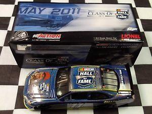 【送料無料】模型車 スポーツカー ボビーアリソン#アクションカラーホールクラスbobby allison 11 nhof class of 2011 action nib flashcoat color nascar hall fame
