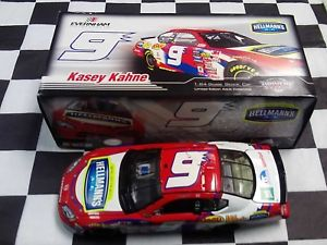 【送料無料】模型車 スポーツカー ケイシーケイン#スケールアクションkasey kahne 9 hellmans 2007 charger 124 scale nascar action bx97821hlkk nib