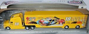 【送料無料】模型車 スポーツカー ホーラチームトランスポータージョーギブスレーシングカイルブッシュnascar hauler team transporter 2009 * joe gibbs racing * kyle busch 164 rare