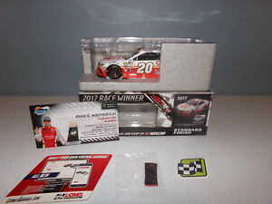 【送料無料】模型車 スポーツカー 124matt kenseth circlek phoenix win2017camry action nascar diecast mib124 matt kenseth circlek phoenix win 2017 camry act