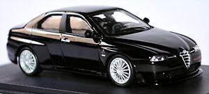 【送料無料】模型車 スポーツカー アルファromeo 156 gta200205ブラックブラック143 m4