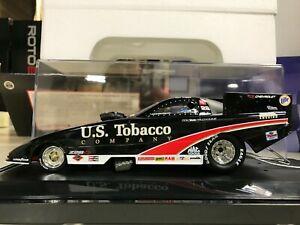 【送料無料】模型車 スポーツカー ロンタバコカマロnhra ron capps us tobacco 2000 camaro funny car ~ 124 nib free ship