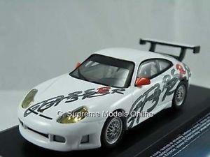 【送料無料】模型車 スポーツカー porsche 911gt3 2000racing car model 143rd german whiteversion n586porsche 911 gt3 2000 racing car model 143rd german white