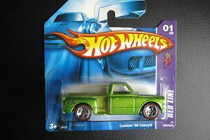 【送料無料】模型車 スポーツカー ホットホイールレッドラインカスタムシボレーhot wheels red line custom 69 chevy c2006