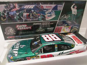 【送料無料】模型車 スポーツカー デイルアーンハートジュニアアンプデュー#ツインデイトナレースディーラーdale earnhardt jr amp mt dew 88 twin 150s daytona raced win gm dealer 124