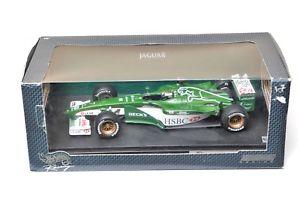 【送料無料】模型車 スポーツカー ホットホイールズf1 118ジャガーr1エディアーバインwベック