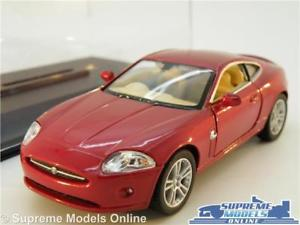 【送料無料】模型車 スポーツカー ジャガークーペモデルカースポーツスケールケースjaguar xk xk8 coupe model car sports 138 scale red kinsmart display case k8q