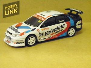 【送料無料】模型車 スポーツカー ガースシグネチャーシリーズツーリング143 garth tander valvoline 2001 signature series touring car carlectables 43047