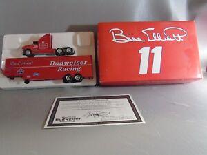 【送料無料】模型車 スポーツカー アクションビルエリオット#バドワイザーレーシングトランスポーター1994 action 164 rcaa bill elliott 11 budweiser racing transporter w coa