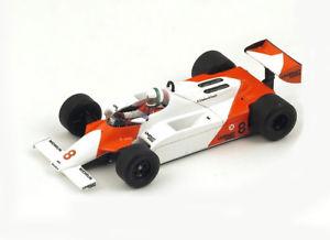 【送料無料】模型車 スポーツカー マクラーレンアンドレアデモナコモデルカーmclaren mp41 no 8 andrea de cesaris monaco gp 1981 resin model car s4301