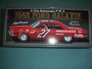 【送料無料】模型車 スポーツカー #フォードモータ27 cale yarborough 1965 ford galaxie abingdon motor nascar legends 124 in stk