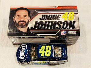 【送料無料】模型車 スポーツカー ジミージョンソンハンドロウカーjimmie johnson amp; knaus hand signed 2018 lowe's jj foundation 124 car