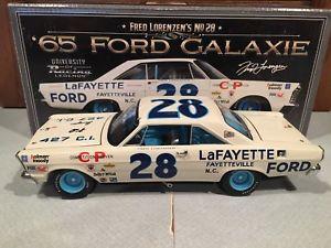【送料無料】模型車 スポーツカー レーシングフレッドフォードサインautographed university of racing 1965 fred lorenzen lafayette ford galaxie 124