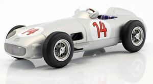 【送料無料】模型車 スポーツカー iscale 118009 118010 118014 mercedes f1モデルカーファンヒオクリン1955 118iscale 118009 118010 118014 mercedes f1 model cars moss fangio