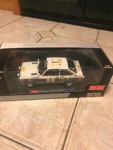 【送料無料】模型車 スポーツカー サンスターフォードエスコートルピーサファリラリーsun star 118 ford escort mk2 rs1800 b waldegardh thorszelius 1977 safari rally