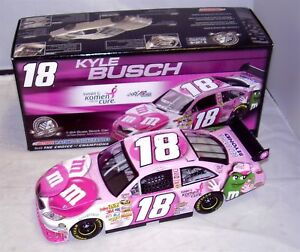 【送料無料】模型車 スポーツカー 1242008action18 mms pink susan g komen breast cancer kylebusch rare nib124 2008 action 18 mamp;ms pink susan g komen breas