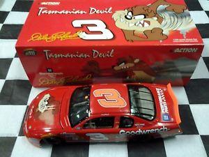 【送料無料】模型車 スポーツカー デイルアーンハートタスマニアデビルタズブルアクションdale earnhardt sr 3 gm tasmanian devil taz no bull 2000 nascar action nib 124