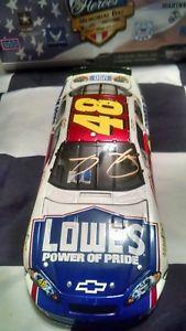 【送料無料】模型車 スポーツカー 2007ジミージョンソンgold48ロウアメリカヒーロー124サイン2007 jimmie johnson gold autographed 48 lowes american heroes 124