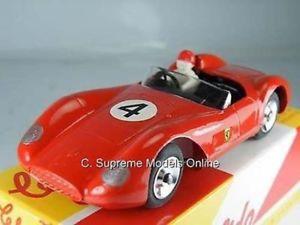 【送料無料】模型車 スポーツカー フェラーリサイズカーモデルレーシングレッド1956 ferrari 500 trc 143 size car model number 4 racing red 1101 type y0675j^*^