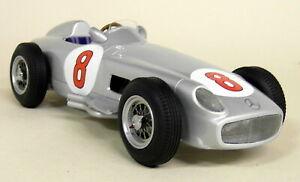 【送料無料】模型車 スポーツカー iscale 118ファンヒオメルセデスw196 f1 1955オランダgpモデルカーiscale 118 scale fangio mercedes w196 f1 1955 winner dutch gp resin model car