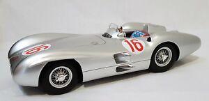 【送料無料】模型車 スポーツカー cmr066 メルセデスw19616 jmファンヒオ1954イタリアグランプリcmr066 mercedes w196 streamliner car 16 jm fangio 1954 italian grand prix