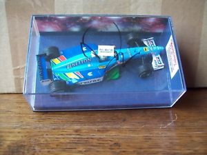 【送料無料】模型車 スポーツカー ベネトンジャンカルロフィジケラオートショー143 benetton 1999 b199 giancarlo fisichella signed 2000 autosport show edition