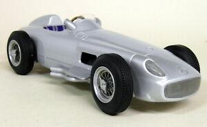 【送料無料】模型車 スポーツカー iscale 118メルセデスベンツw196 f1 195455モデルカーiscale 118 scale mercedes benz w196 f1 195455 silver resin model car