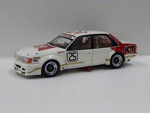 【送料無料】模型車 スポーツカー ホールデンコモドールサンダウンモファット#クラシックカー118 holden vc commodore 1980 sandown 400 3rd place amat 25 classic car