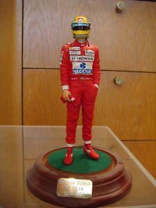 【送料無料】模型車 スポーツカー セナタバコカラーリングlimited edition aryton senna commemorative figurines with full tobacco livery