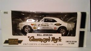 【送料無料】模型車 スポーツカー 1967カマロss ampビルジェンキンズgrumpy31181967 chevy camaro ss amp bill jenkins grumpys toy 3 118 scale