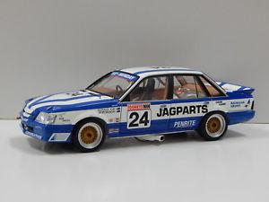 【送料無料】模型車 スポーツカー コモドールバサーストケイ118 vk commodore jag parts 1988 bathurst mundaykay 24 2008 convention car