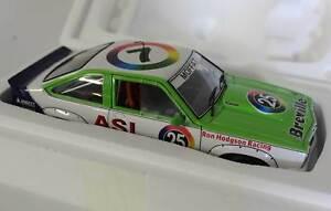 【送料無料】模型車 スポーツカー アランモファットホールデン×#118 allan mat holden lx torana ss a9x 1979 amscar 25 autoart a87964
