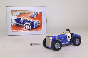 【送料無料】模型車 スポーツカー ブリキスピードウェイレーサードライバーschylling 20660; tinplate speedway racer; blue, with driver; excellent boxed