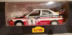 【送料無料】模型車 スポーツカー evo vi makinen 118altayamitsubishi lancer evo vi makinen 118 rally altaya