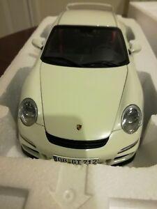 【送料無料】模型車 スポーツカー porsche gt3 9971ディーラー118autoart porsche gt3 9971 dealer white rare 118