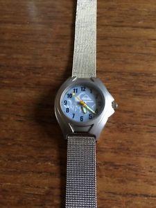 【送料無料】腕時計 レディースクイックシルバーメッシュウォッチストラップ