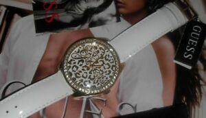 【送料無料】腕時計 レディースホワイトレザーストラップクォーツ guess ladies white leather strap quartz watch