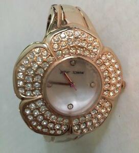 【送料無料】腕時計 ジョンソンフラワーブレスレットローズゴールドバッテリーbetsey johnson flower bracelet watch rose gold fresh battery