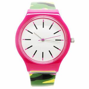 【送料無料】腕時計 プラスチックウォッチxhilaration womens plastic camo watch