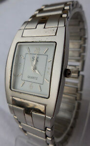 【送料無料】腕時計 レディビンテージブレスレットancienne sk a quartz electronique dame vintage,bracelet integre assorti,tbe 1970