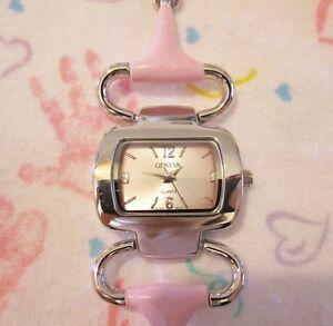 【送料無料】腕時計 pink geneva watch hinged adjustable snap wrist closure
