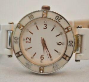 【送料無料】腕時計 ホワイトローズゴールドトーンアナログカジュアルウォッチwhite rose gold tone white rhinestones womens analog casual watch wristwatch