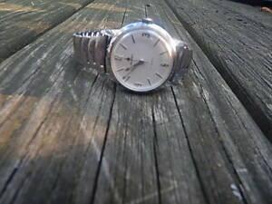 【送料無料】腕時計 ビンテージメンズボーアvintage mens buren 17 jewels wind up wristwatch good timekeeper intrnatnal