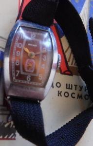 【送料無料】腕時計 リップトノーrare zvezda lip montre mcanique ancienne t18 modle tonneau urss penza 1953