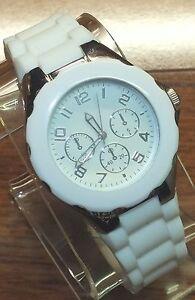 【送料無料】腕時計 ホワイトゴムシリコンゼリー#ファッションfmd white rubber silicon jellybean women039;s fashion wrist watch fmdcol100