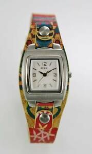 【送料無料】腕時計 ステンレススチールシルバーウォッチカラフルrelic watch women stainless steel silver easy read colorful leather white quartz