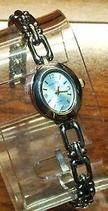 【送料無料】腕時計 ストラップステンレススチールバックシルバーストーンウォッチ