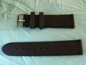 【送料無料】腕時計 ブレスレットゴムシリコーングロクラムポンス24 mm bracelet gomme silicone pneu gros crampons 4x4
