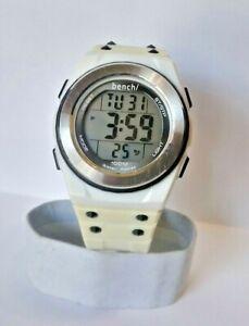 【送料無料】腕時計 メンズベンチアラームクロノグラフウォッチバックライト