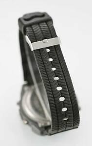 腕時計 ウォッチメンズライトアラームメートルバッテリークォーツブラックラバーウォッチ